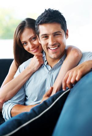 Mann setter opp falske online dating profil